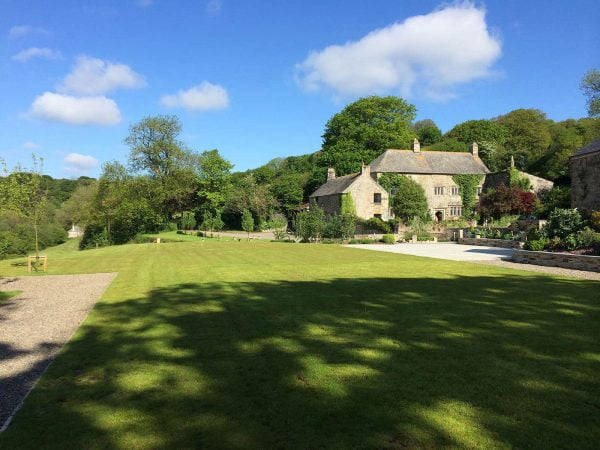 A photograph of a Manor, a private family manor available for exclusive hire for your wdding