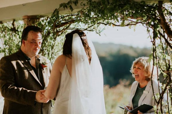 Amy and Neil's Cosy Retreat Wedding